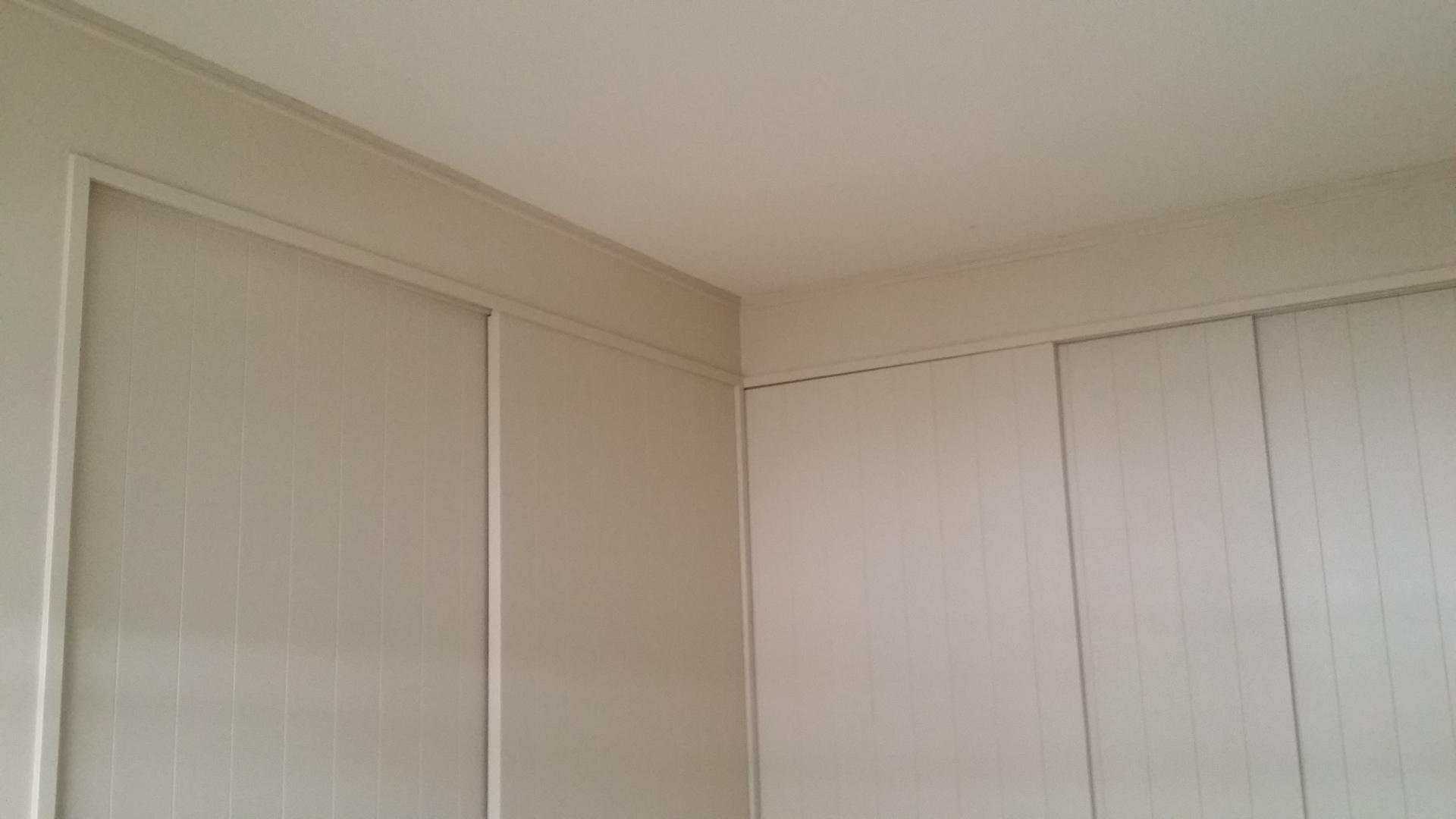 壁紙も変えたいけどペンキで壁を塗ってみたい タカラ塗料 Staff Blog